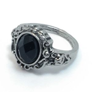 Silver Fashion Ring with Black Stone